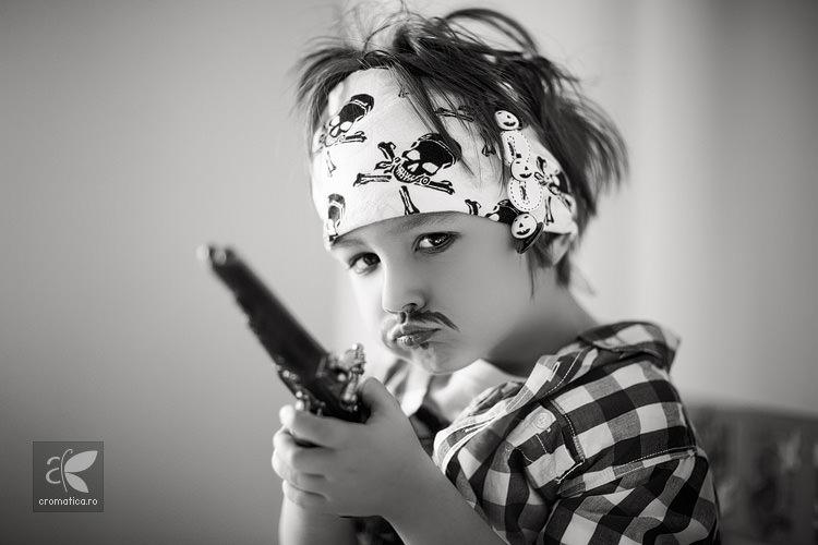 Portret copil - costum de pirat (2)