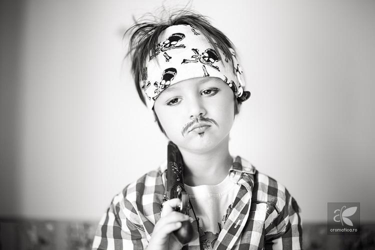 Portret copil - costum de pirat (4)