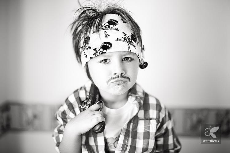Portret copil - costum de pirat (5)