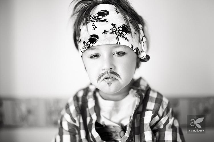 Portret copil - costum de pirat (7)
