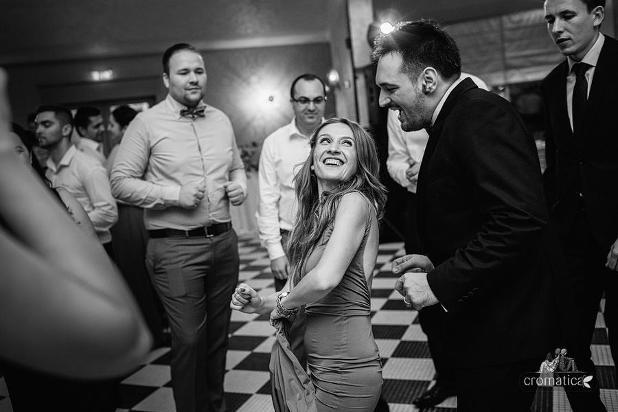 Ana + Rares - Fotografii nunta Bucuresti (32)