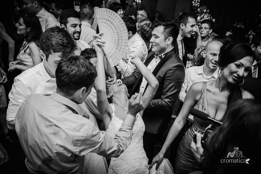 Andreea & Razvan - fotografii nunta Pitesti (34)