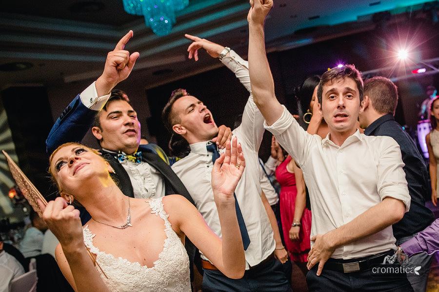 Andreea & Razvan - fotografii nunta Pitesti (38)