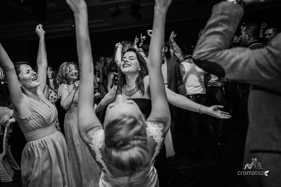 Andreea & Razvan - fotografii nunta Pitesti (42)