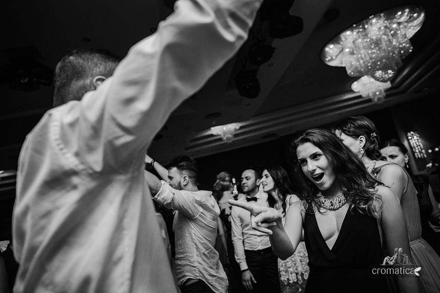 Andreea & Razvan - fotografii nunta Pitesti (43)