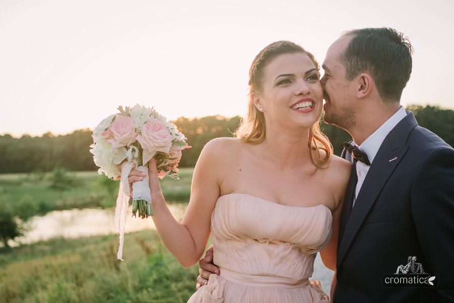 Simona + Eugen - Fotografii nunta Casa Vlasia (17)
