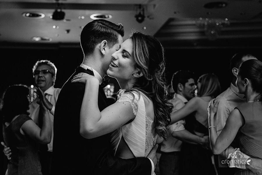 Mirona + Catalin - fotografii nunta Ramada Pitesti (25)