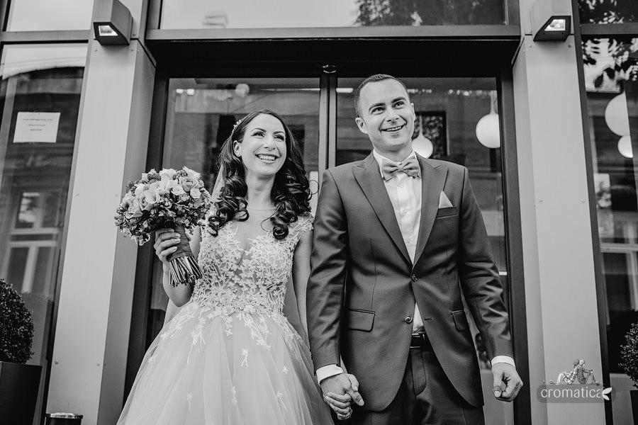 Ana & Cristi - fotografii nunta Salon du Mariage (19)