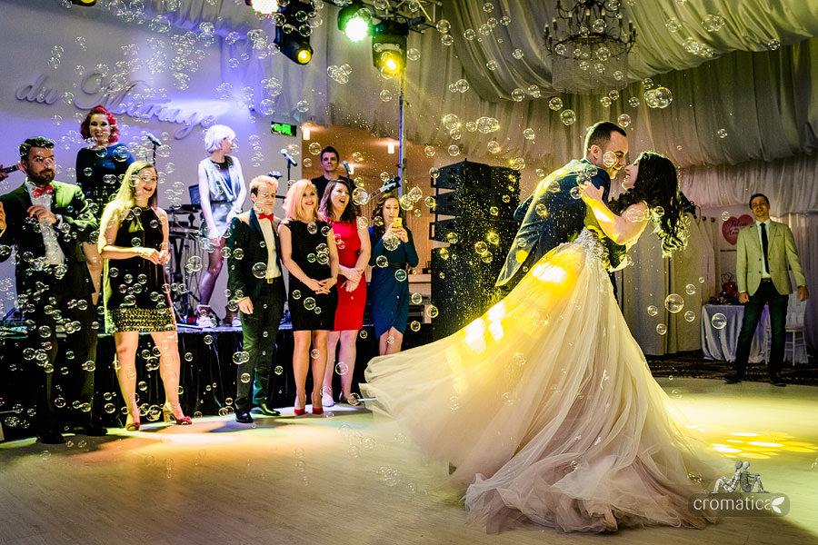 Ana & Cristi - fotografii nunta Salon du Mariage (33)